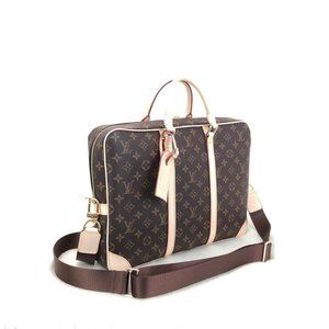 Louis Vuitton Porte Voyage %100 genuine leather